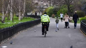 corona-urteil in london: haftstrafe für hust-attacke auf polizisten