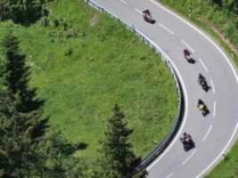 Coronavirus-Newsblog für Bayern: Minister: Motorradausflüge sind verboten