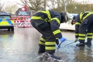 eppendorf/lokstedt: wasserleitung angebohrt – straßen am uke unter wasser