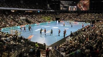 Pro und Kontra: Saison-Abbruch? Handball vor schwieriger Entscheidung