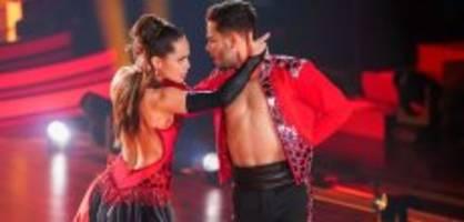 «let's dance»: luca heizt liebesgerüchte weiter an