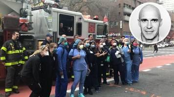 Coronavirus-Epizentrum: Rührende Szenen in der Tragödie: Das ergreifende Ritual der Pfleger und Feuerwehr in New York