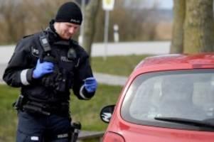 Newsblog für Norddeutschland: Corona-Kontrollen im Norden: Polizei schickt Hamburger weg