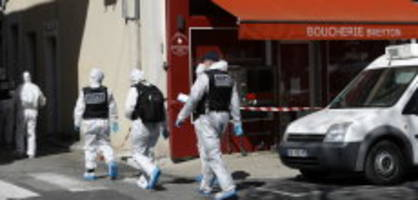 Zwei Tote in Frankreich: Täter nach Messerattacke beim Beten verhaftet