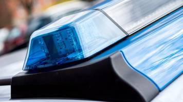 Polizei stoppt Mann mit Messern und Holzlatte