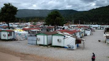 bewohner positiv getestet: zweites flüchtlingslager nahe athen unter corona-quarantäne