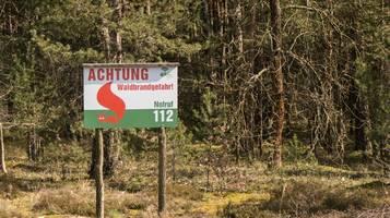 Großeinsatz der Feuerwehr: Brand gefährdet 25 Hektar Wald in Brandenburg