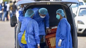 Zahlen der Johns-Hopkins-Uni: Weltweit bereits mehr als 65.000 Coronavirus-Tote