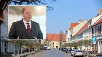 Helge Braun im Interview: Zur Lockerung des Kontaktverbots: Kanzleramtschef kündigt baldige Tracking-App an