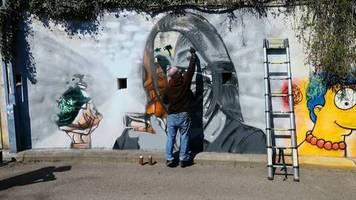 Solidarität in Corona-Krise: Schweizer Künstler bedankt sich mit Graffitis bei Helden des Alltags