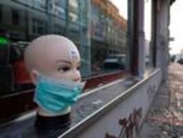 Fast die Hälfte der bestätigten Infizierten gilt als genesen