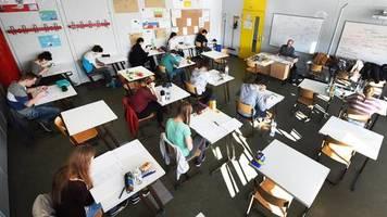 News zum Coronavirus: Lehrerverband: Schlechte Schüler sollten in Corona-Krise freiwillig sitzenbleiben