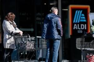 Corona-Krise: Ostern: Zwei Supermarktketten wollen Öffnungszeiten anpassen