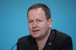 kulturpolitik: senator fürchtet verschuldungsproblem bei kulturbetrieben