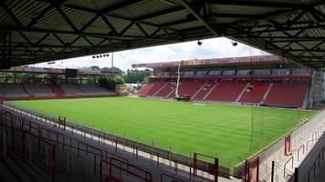 1. fc union berlin erwartet spieler und trainer zurück