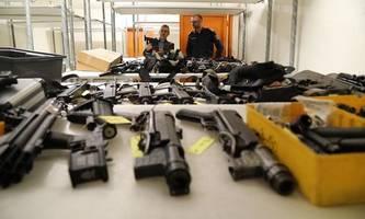 Größter Waffenfund seit Jahrzehnten im Keller eines Oberösterreichers