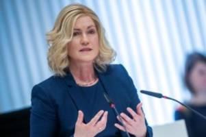 Regierung: Gespräche über Lockerungen der Corona-Maßnahmen nach Ostern