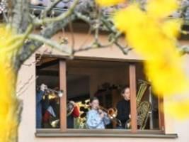 Autorengespräch: Corona-Krise und Familie: Wie läuft es bei Ihnen?