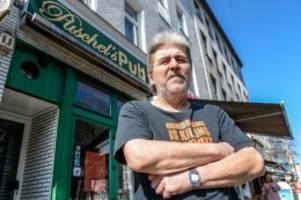 "Corona-Krise:  Gäste retten ""Puschel's Pub"" an der Potsdamer Straße"