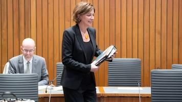 Ministerium geht weiter von schriftlichen Abiprüfungen aus