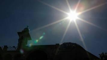 verfassungsgericht lässt ausnahmen von gottesdienstverbot vorläufig zu