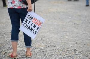 demokratiefeindliche propaganda: abgeordnete warnen vor radikalisierung der corona-proteste