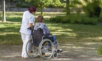 der erste pflege-sonderzug aus rumänien, reproduktionszahl in deutschland über 1,0, usa mit über 1,3 millionen infizierten