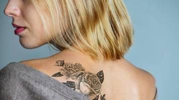 tattoocreme und co.: frisch gestochenes tattoo: das müssen sie bei der nachsorge beachten
