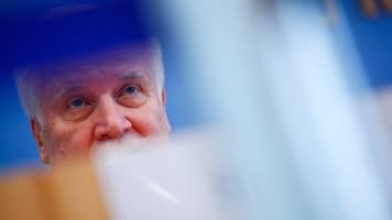 seehofer und söder besuchen deutsch-österreichische grenze