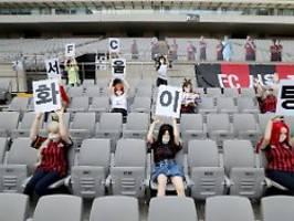 Saftige Geldstrafe in Japan: Sexpuppen auf der Tribüne sind teurer Spaß