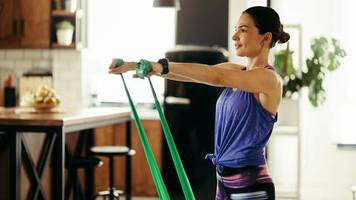 muskeltraining: so bauen sie mit widerstandsbändern gezielt ihre muskulatur auf
