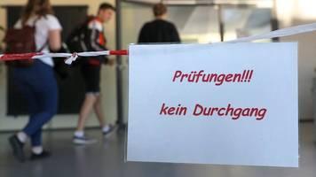 abiturprüfungen starten mit dem fach deutsch