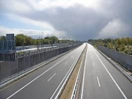 deutlich mehr autobahnen: straßennetz wird dichter, schienennetz nicht
