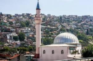 """türkei: hackerangriff: """"bella ciao"""" schallt plötzlich von minaretten"""