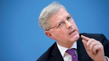 Corona-Hilfsplan: Norbert Röttgen zerreist Vorschlag von Kanzler Kurz