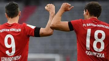 Fußball-Bundesliga: Bayern und BVB makellos - Kohfeldt feiert,  Götze geht