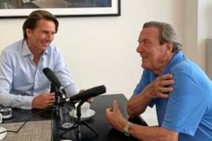 Corona: Gerhard Schröder hat einen Podcast – und lobt darin Merkel