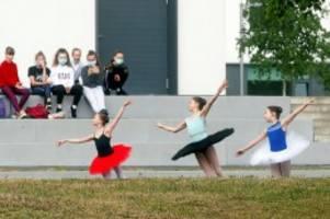 Bildung: Auftritt von jungen Ballerinas führt zu Polizeieinsatz