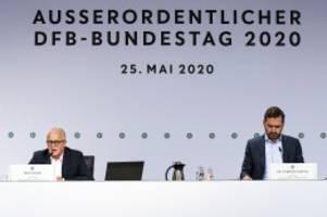fussball: dfb-bundestag beschließt fortsetzung der 3. liga