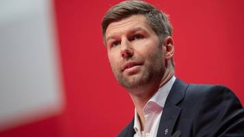 VfB-Vorstand Hitzlsperger: Sind vom Trainer überzeugt