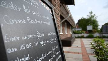 Niedersachsen - Corona-Fälle nach Restaurantbesuch: Landkreis sucht Gründe
