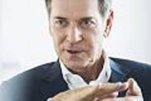 """Michael Stoschek im Interview - Er schrieb Brandbrief an Söder: Brose-Patriarch warnt vor """"absurder"""" Elektro-Kaufprämie"""