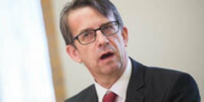 Ost-Kandidat fürs Verfassungsgericht: Jes Möller und die Kläranlagen