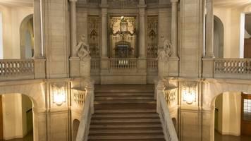 Mindestabstand: Verfassungsgerichtshof kassiert Bußgeldregel