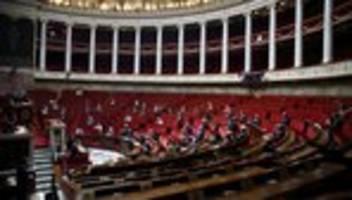 Frankreich: Französisches Parlament stimmt für Coronavirus-App