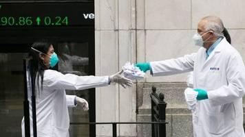 Weltweit mehr als 350.000 Tote: US-Wissenschaftler: Mehr als 100.000 Corona-Tote in den USA