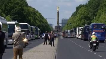 Video: Hupkonzert im Berliner Regierungsviertel