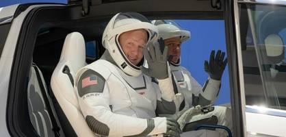 spacex schickt erstmals astronauten zur iss