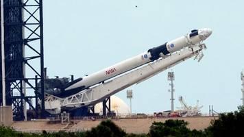 Crew Dragon: Elon Musk fliegt den großen Raumfahrtkonzernen davon