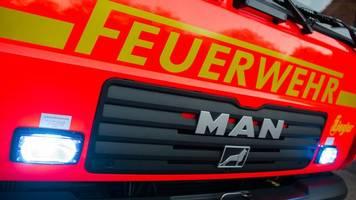 lastwagen bei brand in biesdorf zerstört